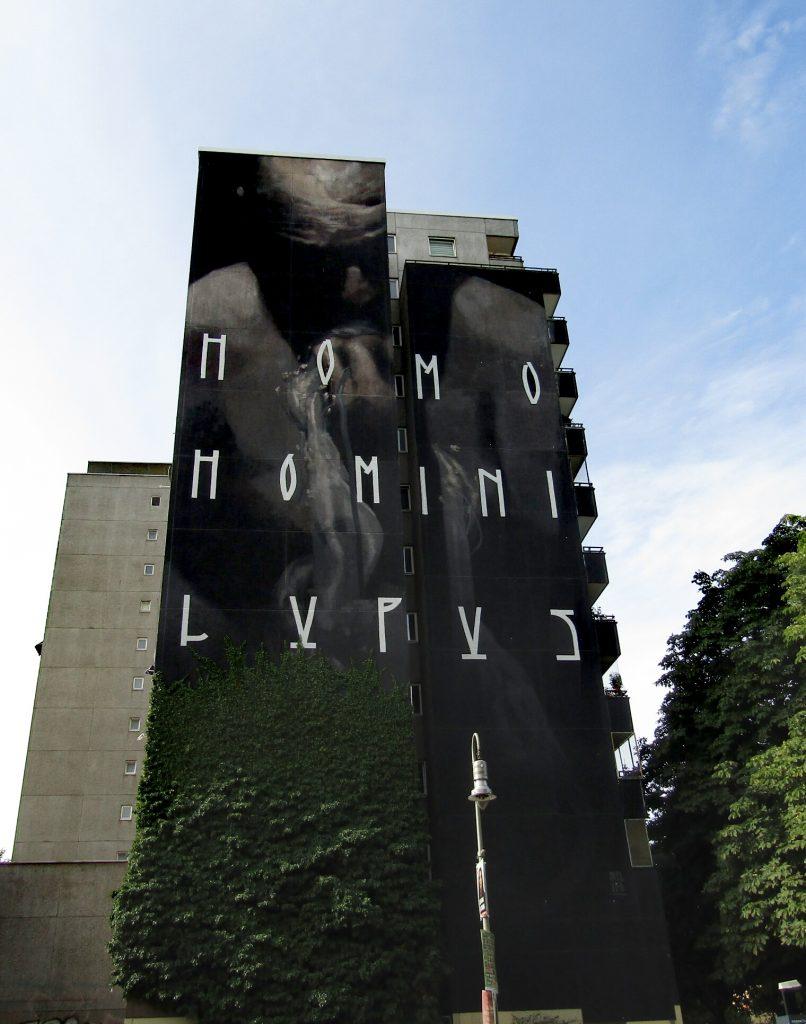 Street Art Kreuzberg: Homo Homini Lupus