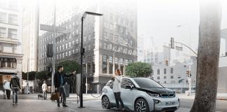 Startup eluminocity macht aus Straßenlaternen Ladestationen