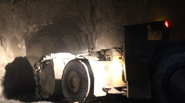 Cargador Perfil Bajo en mina