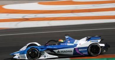 Alexander Sims - BMW Formel E Fahrer 2019 - Fotos BMW (2)