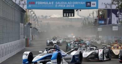 BMW siegt beim Einstand und Auftaktrennen in Ad Diriyah - Formel E - Foto BMW