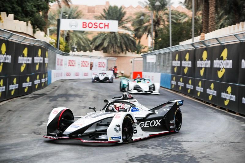 Maximilian-Günther-DEU- Geox Dragon-Racing-Penske-EV-3-Formel-E-Foto-FIA.