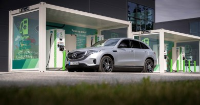Mercedes EQC -EQC 400 4MATIC; hightechsilber metallic - Foto: Mercedes