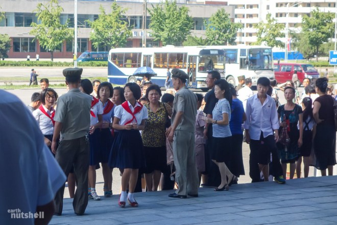 27-pyongyang-circus-theatre-locals