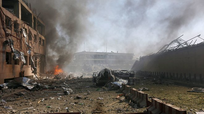 Damaged cars are seen after a blast in Kabul, Afghanistan May 31, 2017. (Omar Sobhani/Reuters)