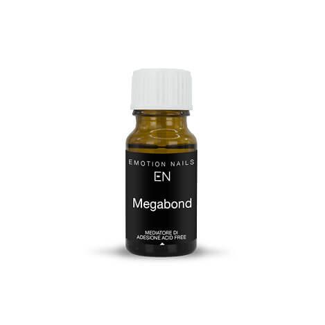 Megabond è il mediatore di adesione della gamma Emotion Nails privo di acidi. Deidrata l'unghia naturale senza penetrare in profondità e favorisce così l'adesione del gel o del semipermanente.