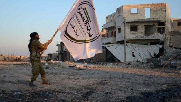 सिरियाको अल–बाब शहर नजिक भएको कार बम विस्फोटनमा परि कम्तिमा ६० जनाको मृत्यु