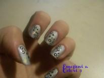 https://emozioniacolori.wordpress.com/2012/12/01/cerchi-olografici-nail-art/