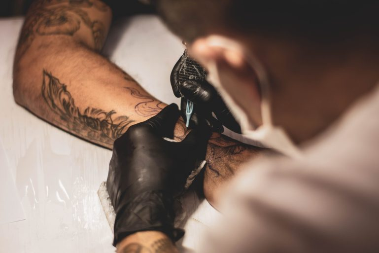 Reducing the Pain of Tattoo