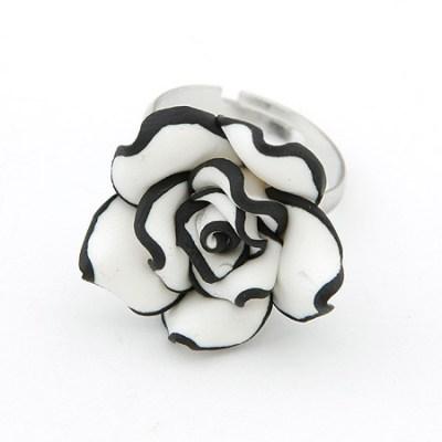 Black and white rose ring