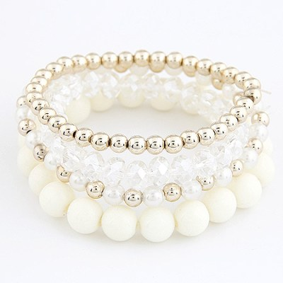 Princess bracelets in cream