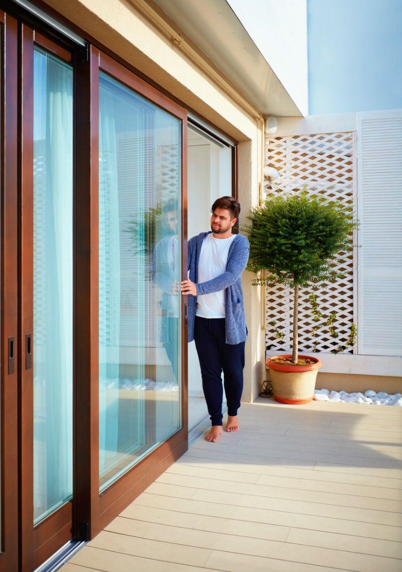 improve sliding door security in 3