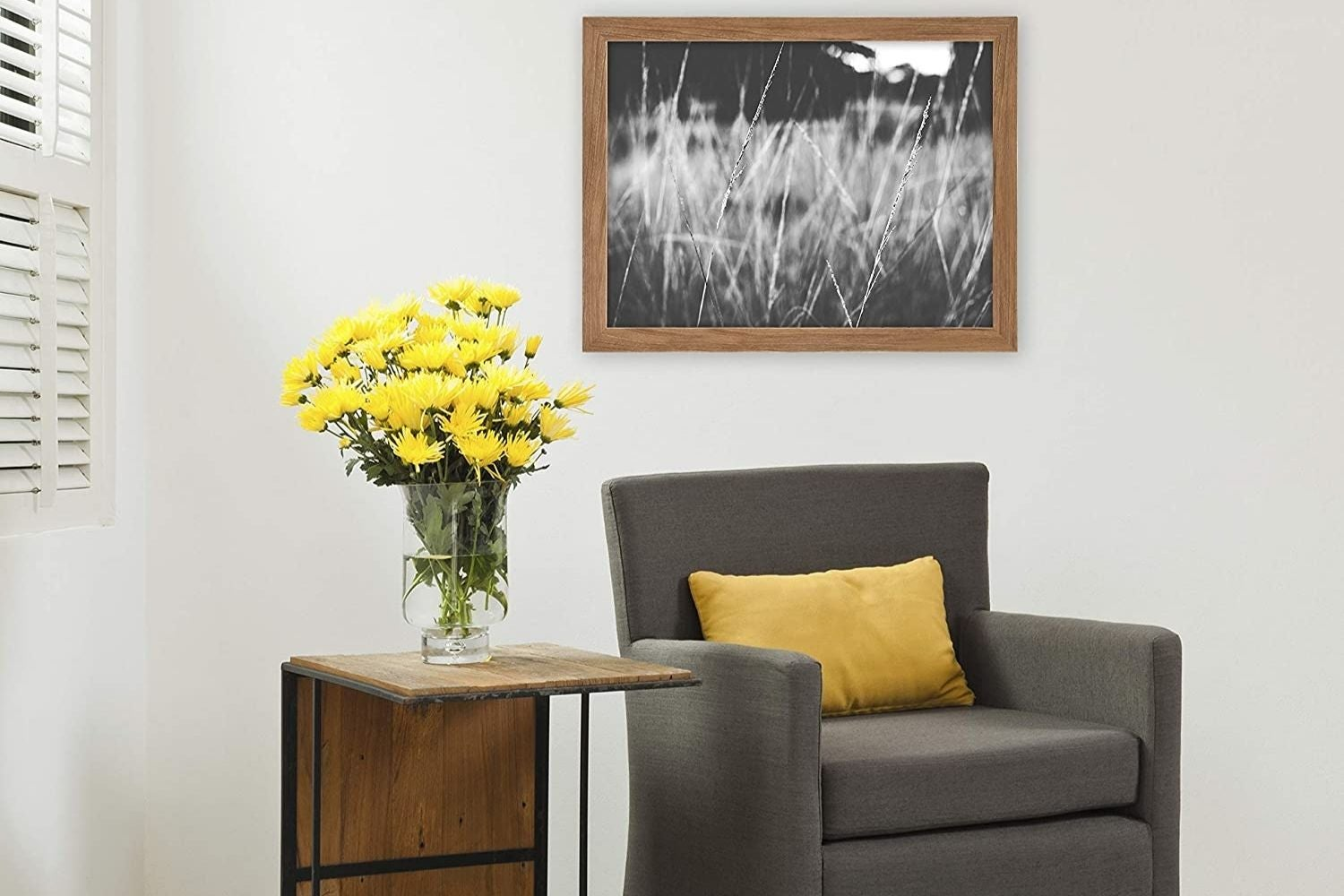 the best poster frames for displaying