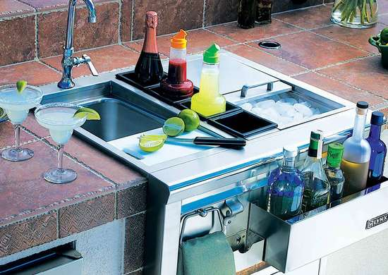 8 best buys for an outdoor kitchen you