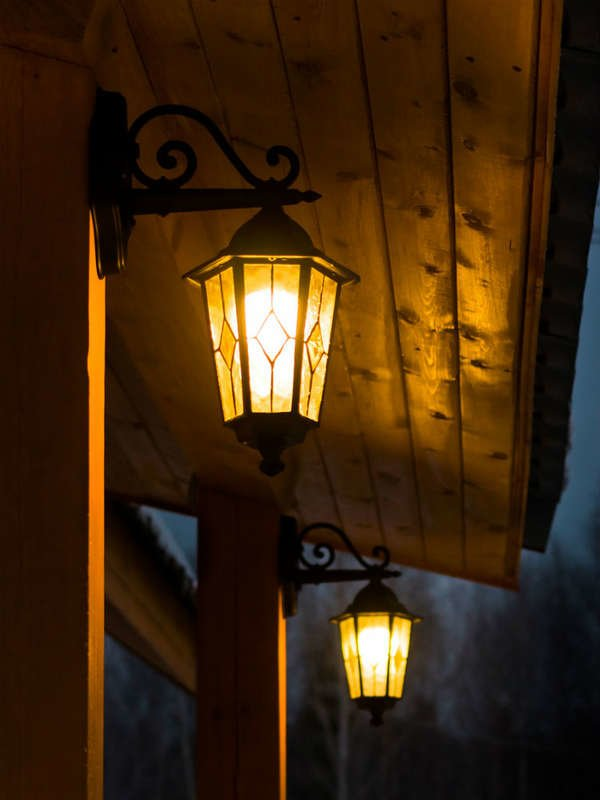 the 7 best outdoor lighting ideas for