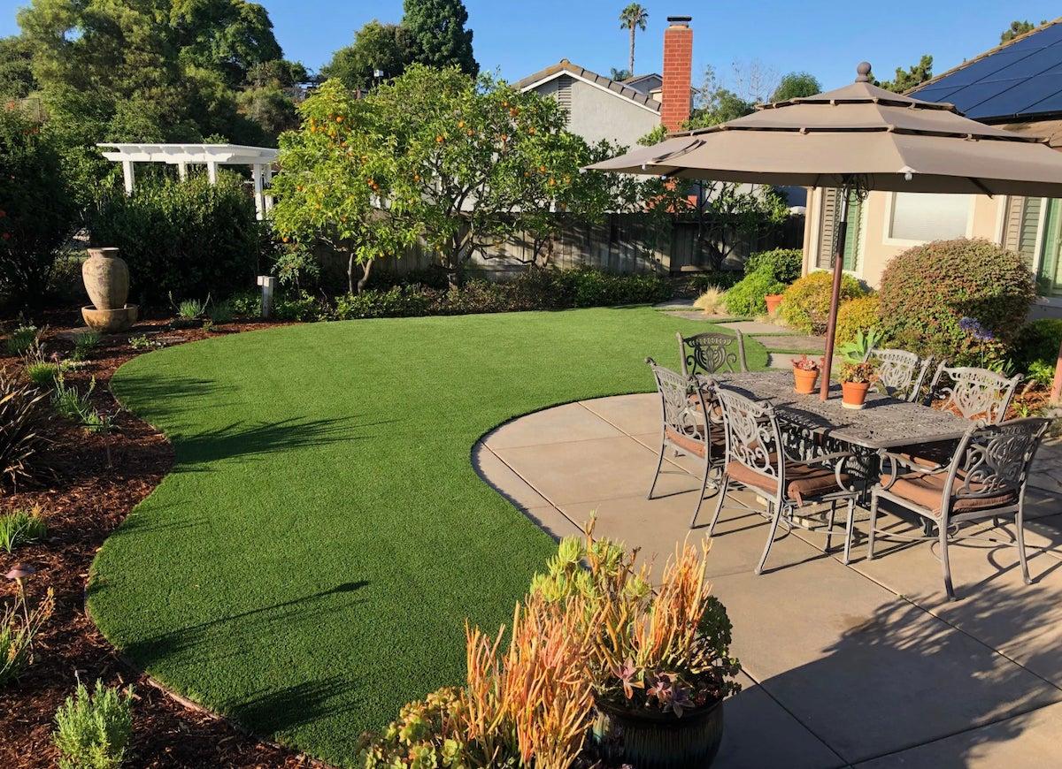 8 artificial grass landscaping ideas