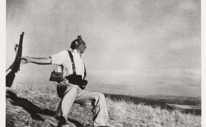 Historyczne Kadry #12: Śmierć hiszpańskiego republikanina – Robert Capa, 1936