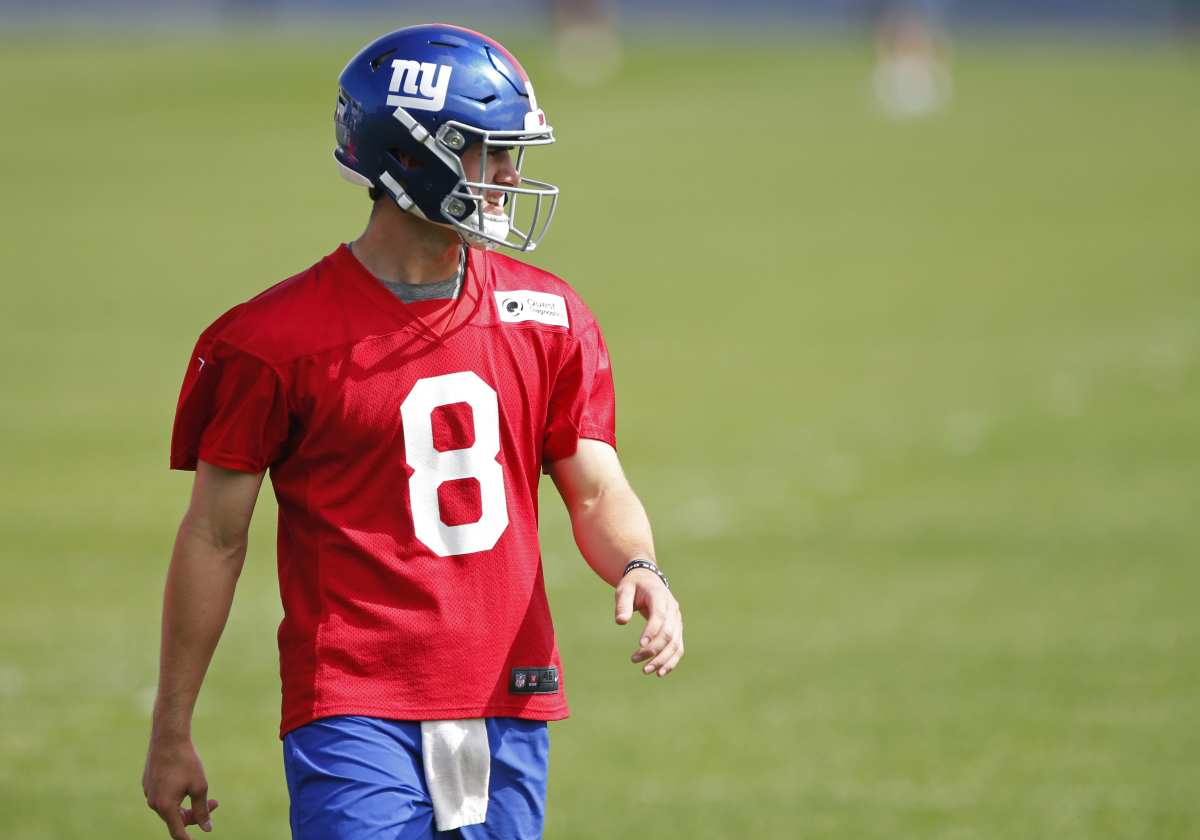 New York Giants: How has Daniel Jones looked so far in OTAs?