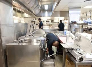 equipo de limpieza perosnal de limpieza cleaning staff pressure washing staff operador de limpieza