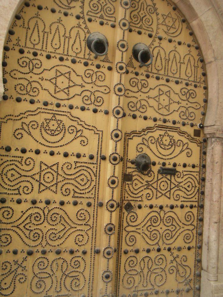 Tunis door