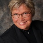 Mary Ann Lawrence Explores the Multigenerational Workforce and Educates on Excellent Customer Service