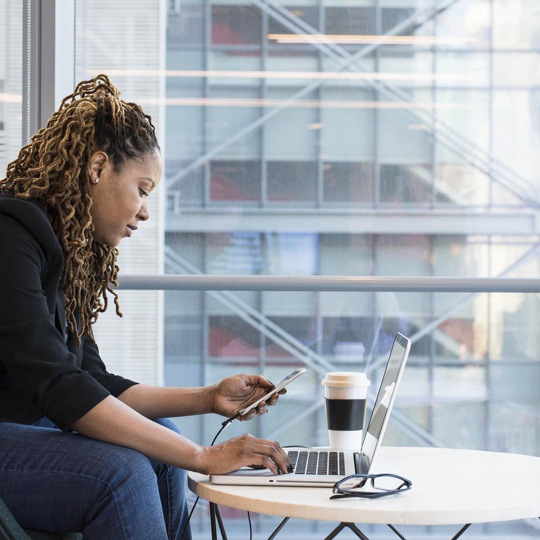 perfil-de-sucesso-no-Linkedin- mulher