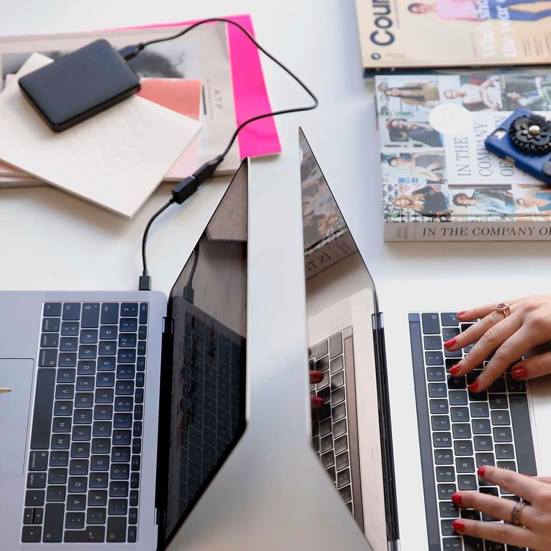 blogueira trabalhando