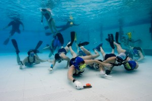 underwater-hockey1