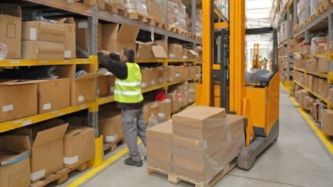 What Are the Best Warehouse Picking Strategies?