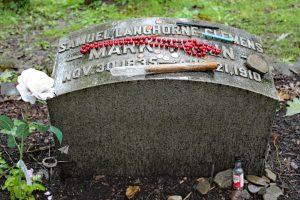 mark twain grave marker