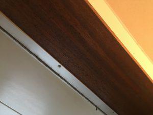 浴室木枠カビ処理前