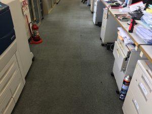 重汚染のカーペットの清掃後