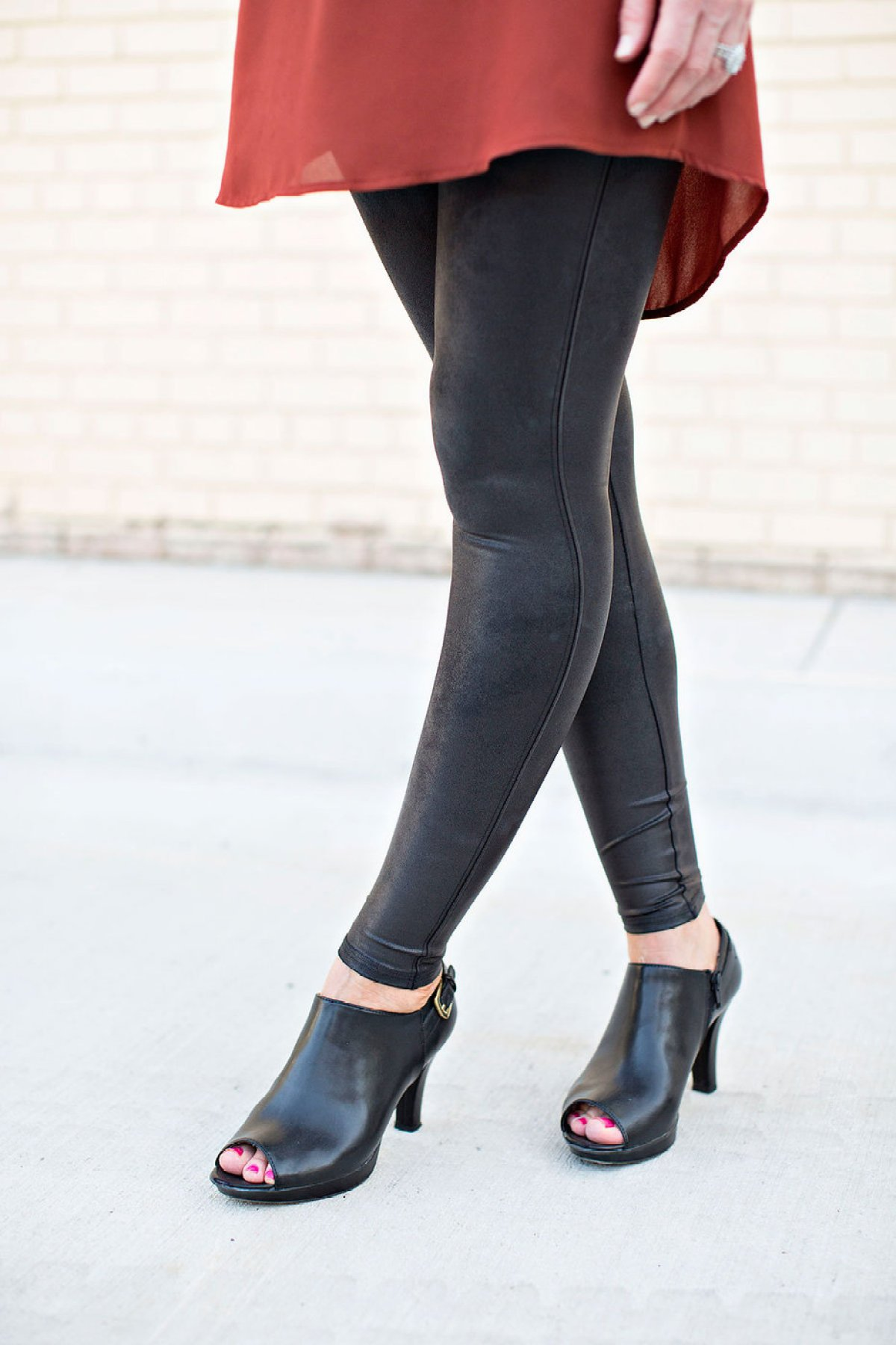 favorite finds, spanx leggings, faux leather leggings, black faux leather leggings