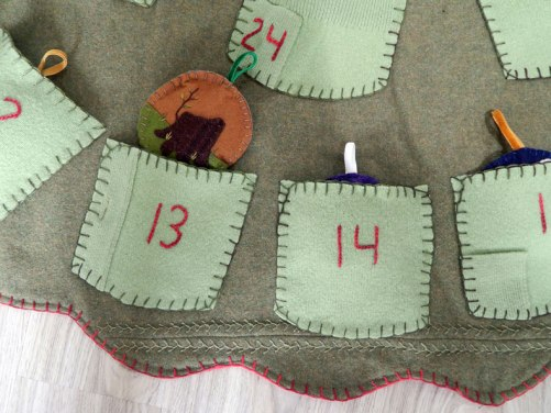 tree-skirt-detail