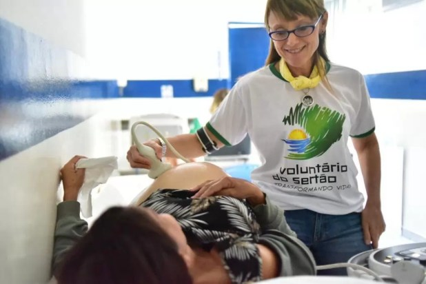 Voluntários do Sertão realizam ultrassom em Poções