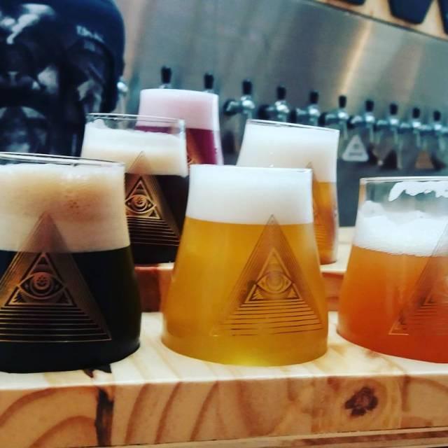 Taster da nova casa da cervejariadogma  6 possibilidades entrehellip