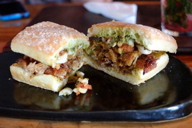 Sanduíche de lombo de porco com lula e pesto de agrião - delicioso, saboroso e refrescante!