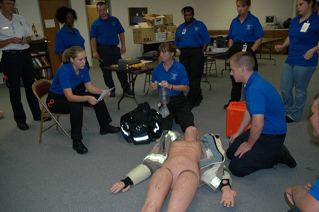 How Much Does An Emt Make >> Emt Salary How Much And Where Emts Can Make The Best Money Emt