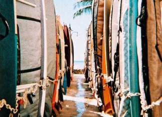 2015/07/01 - Surf's out Shot on Lomo Chrome XPRO 200.