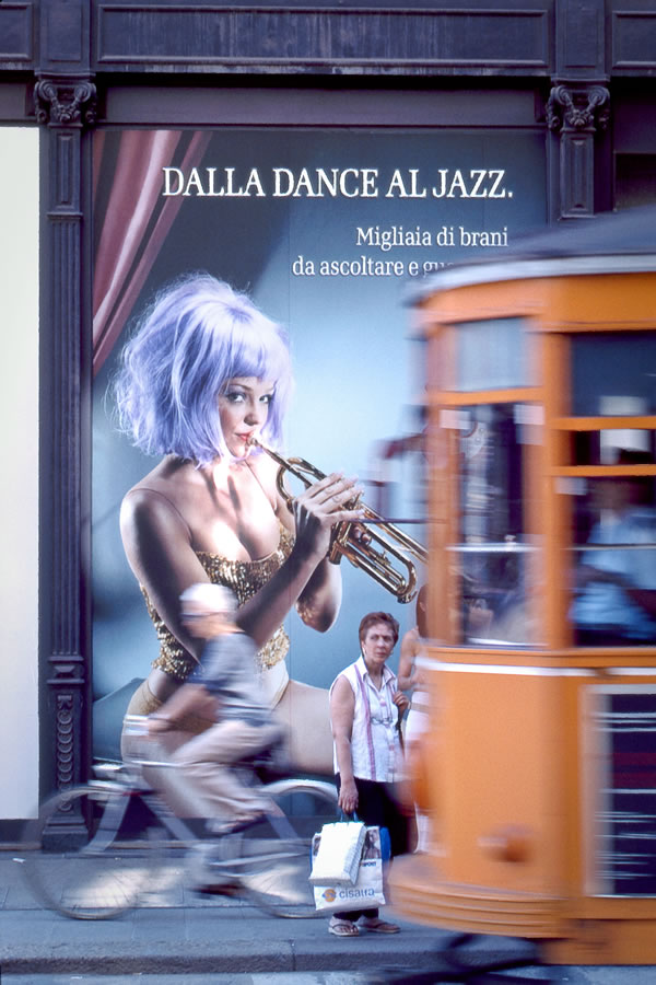 Dalla Dance Al Jazz, Milan, Italy, 2005 © Joseph Gamble
