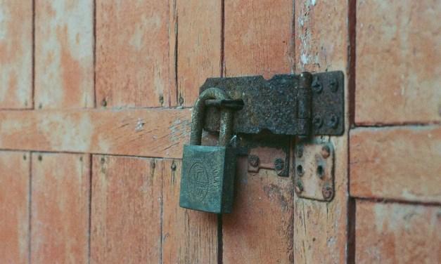 Lock-xidized – Shot on Fuji Press 800 at EI 800 (35mm format)