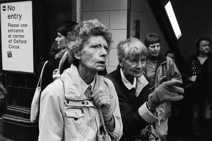 'That Way' - London, 2014 (Leica MP - Voigtlander 35 f/1.4 - Kodak Tri-X)