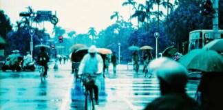 Rainy days, rainy haze - Lomochrome XR 100-400 shot at ISO400