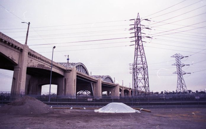 6th Street Bridge - Rite Aid Brand 400 + Olympus OM 1