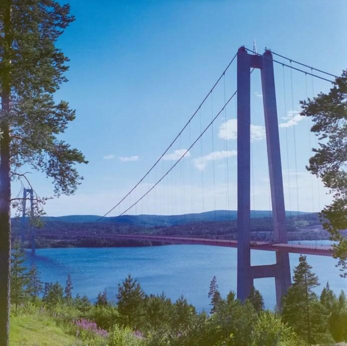 Hîga kusten bridge - Kodak Portra 400VC