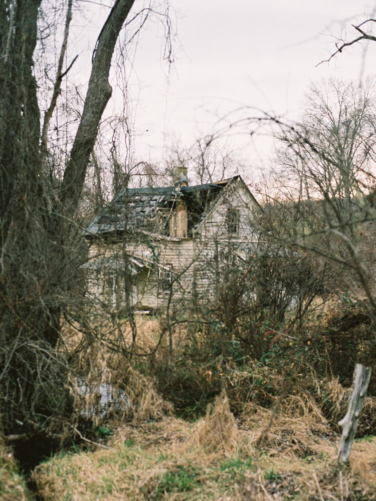 Decaying House, Nikon F3, Kodak Portra 400