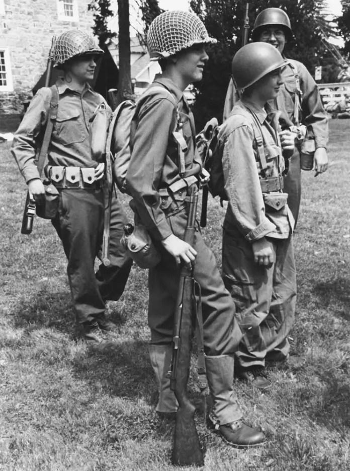 Infantry 45th Battalion, 8/14, Kodak Tri-X in HC110 Dilution H (1:63)