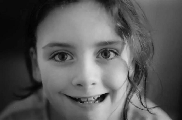 Emily - Ilford HP5+ - Olympus OM10 - 50mm Zukio