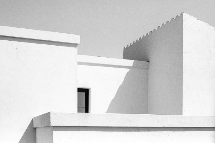 Buildings, Menorca, Ilford HP5+ 320, Canon EOS 300, 2016