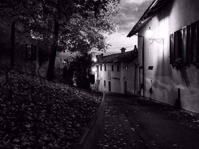 Stefano Ferrando - ‏@plusloin_music - Evening Light #ContaxT3 #FP4Party #PostWeek #BelieveInFilm #filmphotography @ILFORDPhoto @FP4Party